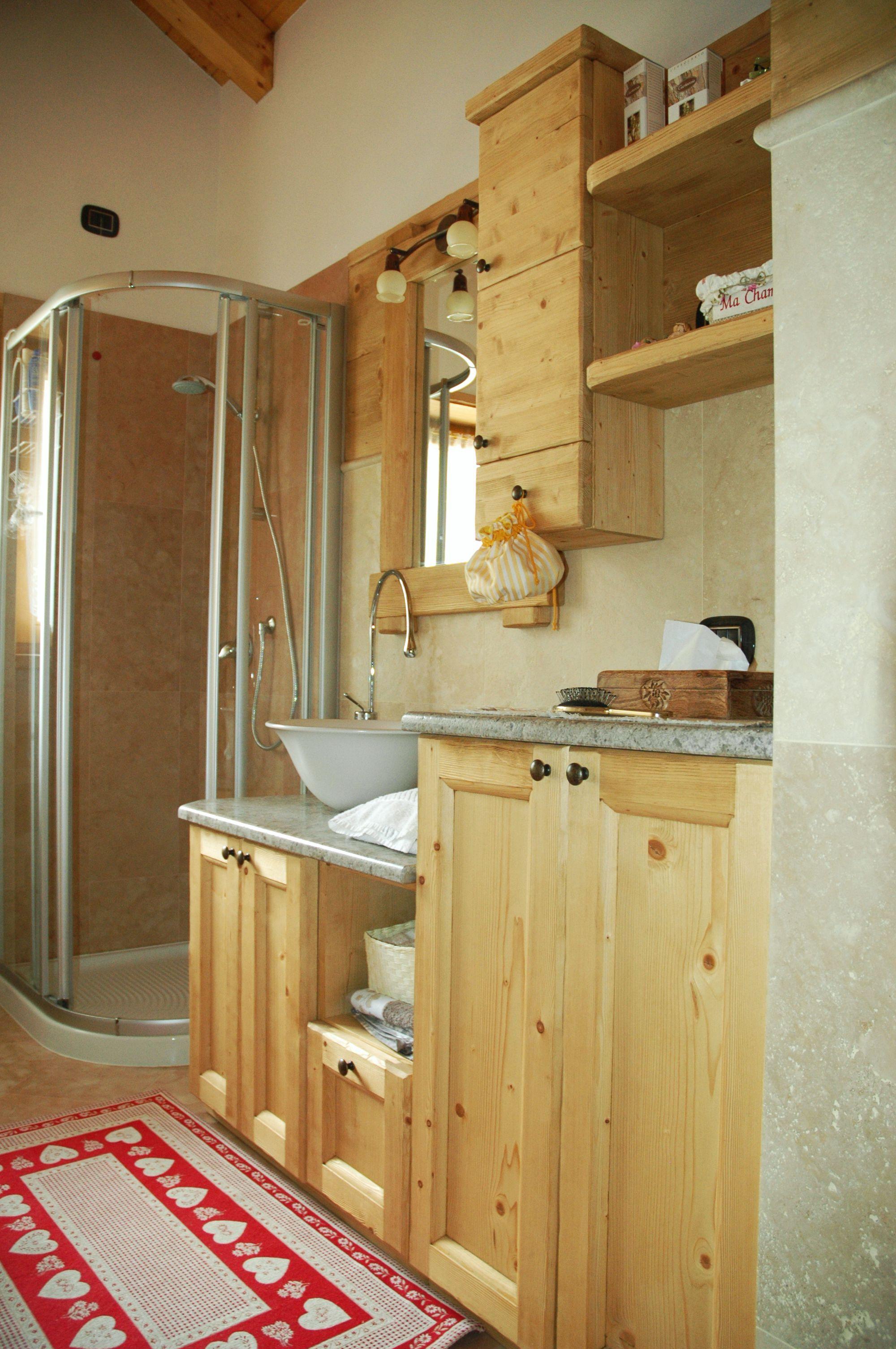 Il bagno la sgubia falegnameria artigianale a for Arredo bagno belluno